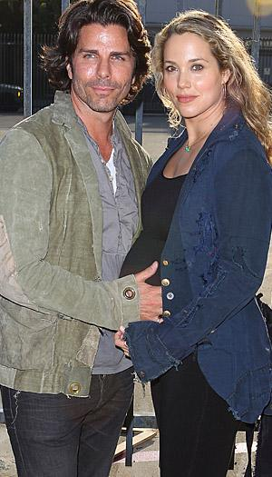 Elizabeth Berkley and Greg Lauren welcome son Sky