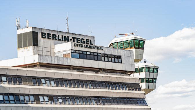 Suasana Bandara Tegel di Berlin, ibu kota Jerman (20/5/2020). Bandara Tegel, bandara terbesar di ibu kota Jerman tersebut, diberi izin untuk tutup mulai 15 Juni mendatang akibat rendahnya arus penumpang yang dipicu oleh pandemi COVID-19. (Xinhua/Binh Truong)