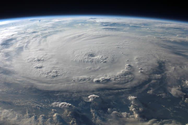 best hurricane trackers