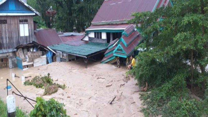 Cegah Luapan Banjir Luwu Utara, Kementerian PUPR Gunakan 'Sandbag'