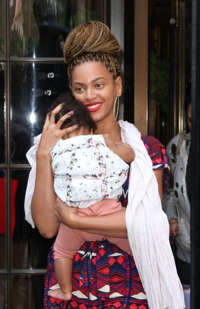 Beyoncé's Newest Look: Long Box Braids!