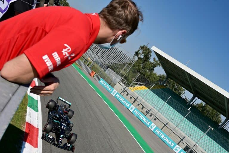 Hamilton takes record pole for Italian GP as  Ferrari suffer 36-year Monza low