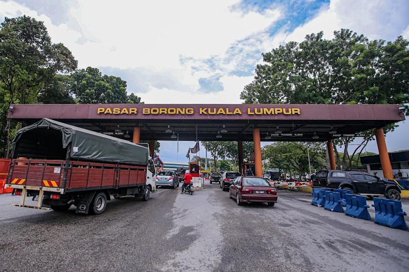 A general view outside the Kuala Lumpur Wholesale Market in Selayang June 24, 2020. ― Picture by Hari Anggara