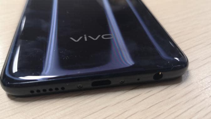 Penampakan Vivo Z1 Pro (Liputan6.com/Agustinus M.Damar)
