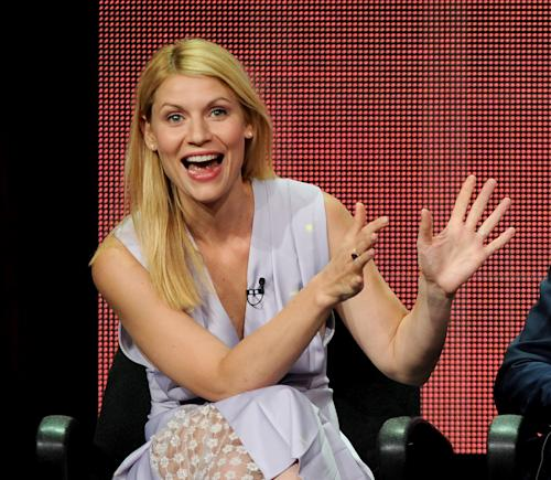 Claire Danes Gets Revenge on Anne Hathaway For That 'SNL' 'Homeland' Parody