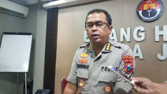 Kabid Humas Polda Jatim Kombes Pol Frans Barung Mangera (Foto: Liputan6.com/Dian Kurniawan)