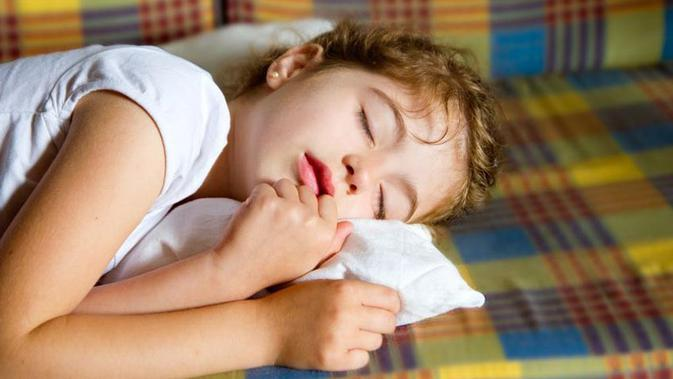 Penyebab Ngiler Saat Tidur