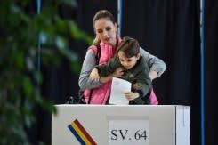 Presiden Rumania di posisi teratas dalam pemungutan suara putaran pertama