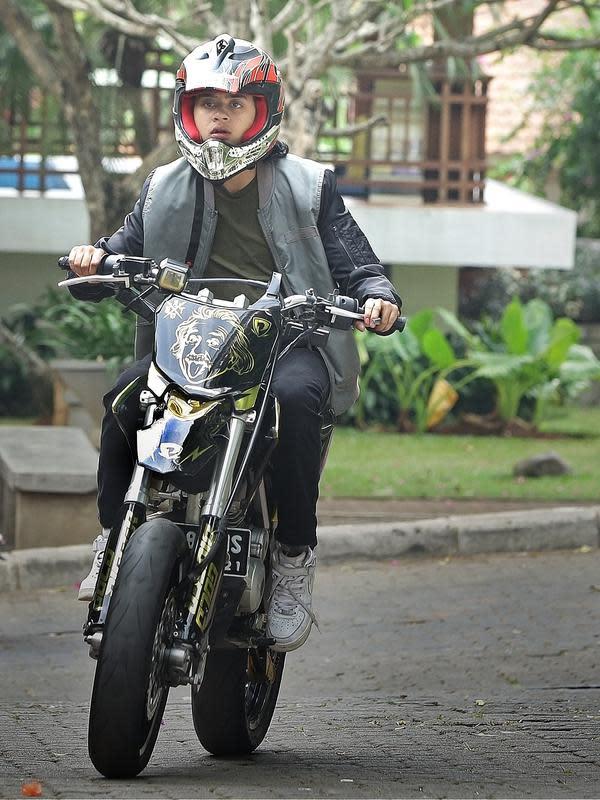 Bastian Steel. (Bambang E Ros/Fimela.com)