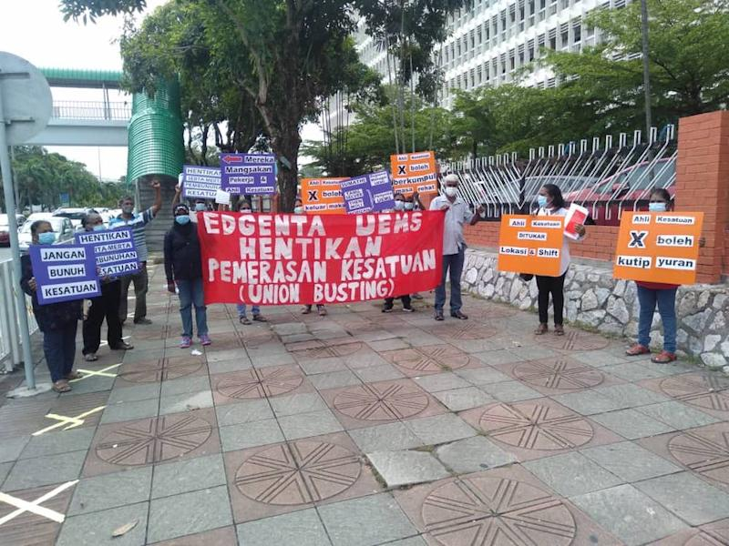 Five officials from the National Union of Workers in Hospital Support and Allied Services' (NUWHSAS) were arrested by police after picketing outside Hospital Raja Permaisuri Bainun in Ipoh June 2, 2020. — Picture courtesy of Parti Sosialis Malaysia