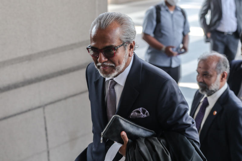 Lawyer Tan Sri Muhammad Shafee Abdullah is pictured at the Kuala Lumpur High Court July 1, 2020. — Picture by Firdaus Latif