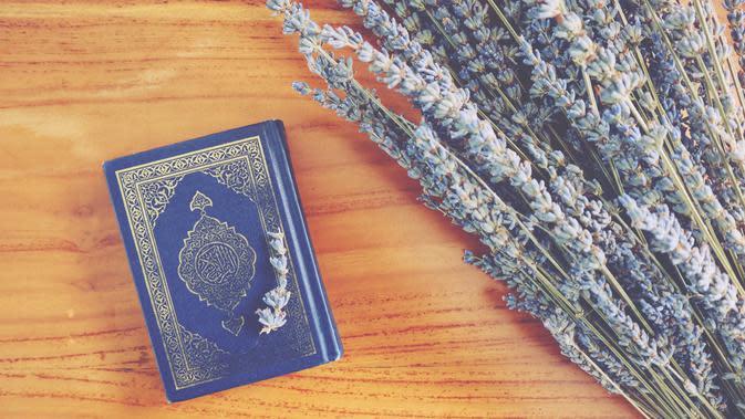 Ilustrasi Al Qur'an Credit: unsplash.com/thedancingrain