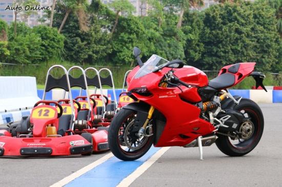 【重機試駕】紅色閃電DUCATI 1199 PANIGALE S