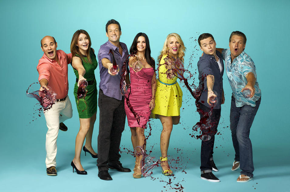 """Cougar Town"" -- Ian Gomez, Christa Miller, Josh Hopkins, Courteney Cox, Busy Philipps, Dan Byrd & Brian Van Holt"