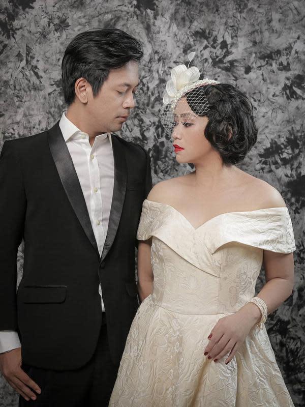 Pemotretan anniversary 8 tahun Rian D'Masiv dan istri. (Sumber: Instargam/@yusuf_zwh)