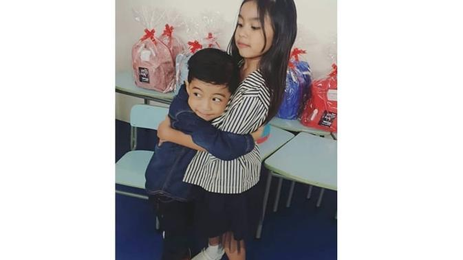 6 Momen Kompak Jan Ethes Bareng Saafia Sepupu Dekatnya, Sibling Goals (sumber: Instagram.com/janethes_story)