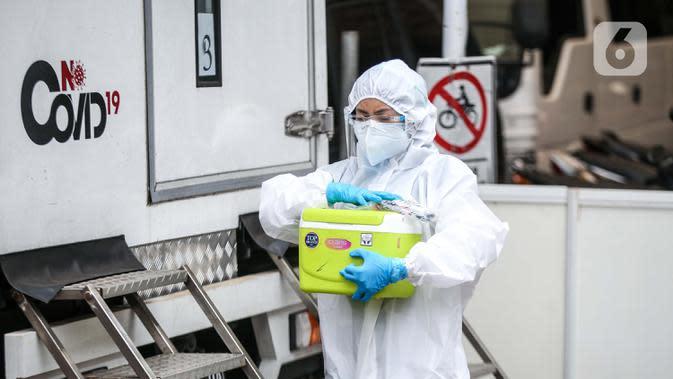 Airlangga Hartarto: Pemerintah Upayakan Pemeriksaan PCR Rutin Tenaga Kesehatan