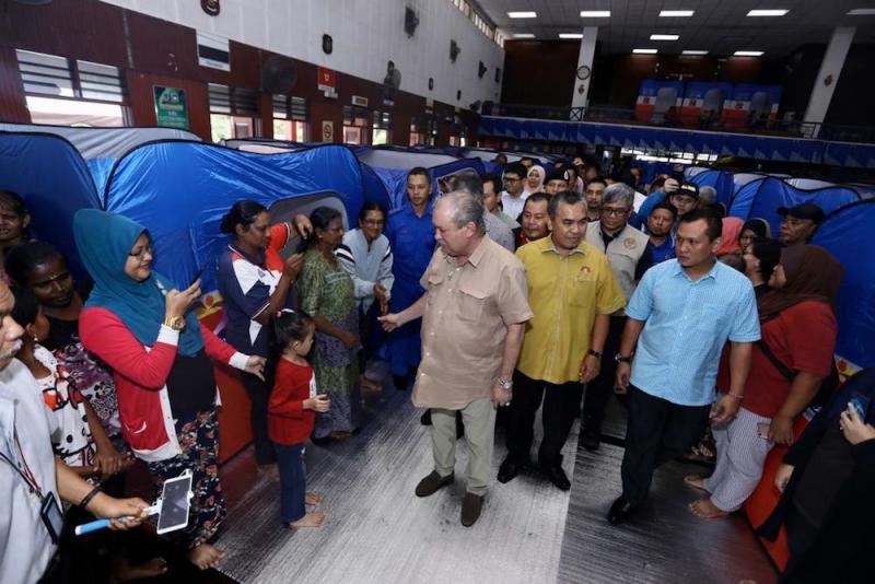Johor ruler Sultan Ibrahim Sultan Iskandar visits some of the 500 flood victims who are temporary relocated at the Kolej Vokasional Kota Tinggi in Kota Tinggi December 11, 2019. — Picture courtesy of Royal Press Office