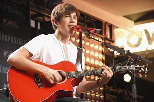 Austin Mahone Recovers After Blood Clot in Throat