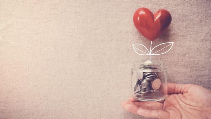 Ilustrasi Bersedekah Credit: freepik.com