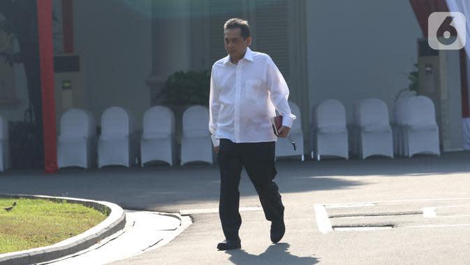 Ketum PB Ikatan Anggar seluruh Indonesia Agus Suparmanto tiba di Kompleks Istana Kepresidenan di Jakarta, Selasa (22/10/2019). Sebelum Agus, sudah ada 30 calon pembantu kabinet pemerintahan Jokowi-Maruf yang diundang ke Istana. (Liputan6.com/Angga Yuniar)