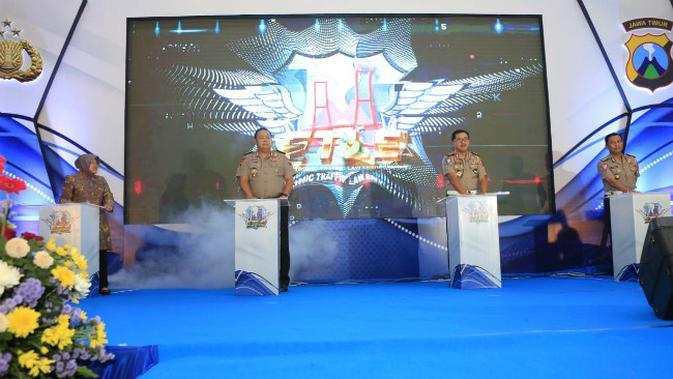 Polda Jawa Timur meluncurkan tilang elektronik atau Electronic Traffic Law Enforcement (E-TLE) di Surabaya, Jawa Timur pada Kamis, (16/1/2020). (Foto: Liputan6.com/Dian Kurniawan)