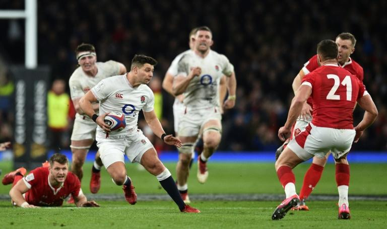 England's rugby union players accept 25% pay cut