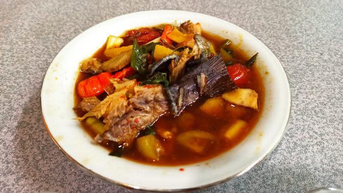 Pindang ikan salai khas Palembang Sumsel dengan cita rasa yang khas (Liputan6.com / Nefri Inge)