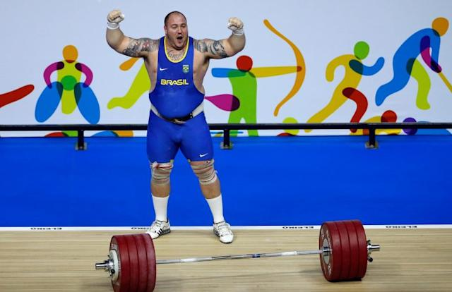 Brazilian weightlifter Fernando Saraiva Reis eats seven meals per day, beginning with eight to 10 eggs. (Getty)
