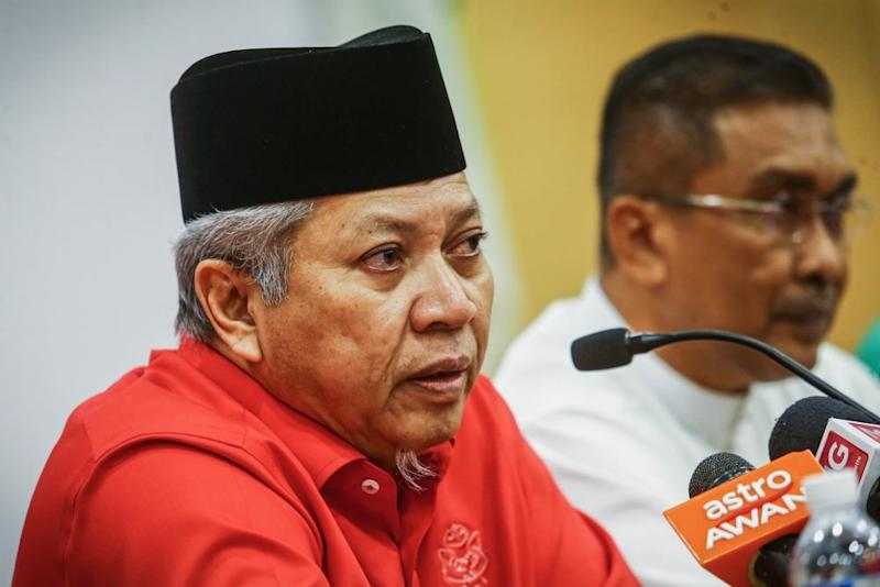 Umno secretary-general Tan Sri Annuar Musa speaks during a press conference in Kuala Lumpur September 12, 2019. ― Picture by Hari Anggara