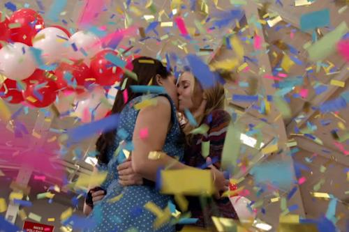 'American Idol' Alum Katie Stevens and Rita Volk Kiss, Become Insta-Lesbians in MTV 'Faking It' Trailer (Video)