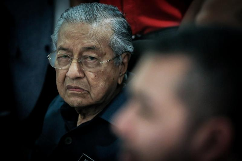 Prime Minister Tun Dr Mahathir Mohamad speaks to reporter at a press conference at the Bukhary Foundation, Kuala Lumpur January 17, 2020. — Picture by Hari Anggara