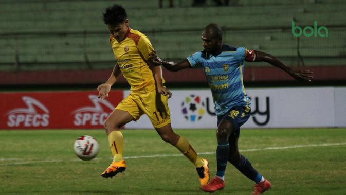 Sriwijaya FC sukses meraih tiga poin pertama di Grup A babak delapan besar Liga 2 2019 di Stadion Gelora Delta, Sidoarjo, Sabtu (9/11/2019). (Bola.com/Aditya Wany)