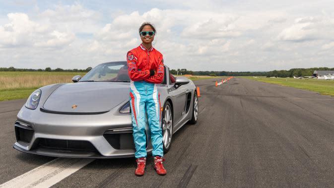 Gadis 16 Tahun Pecahkan Rekor Dunia Slalom dengan Porsche 718