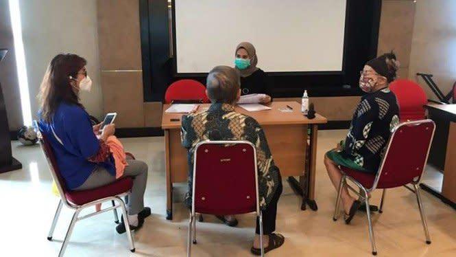 Anggota Lansia dan Sakit Cairkan Dana di KSP Indosurya