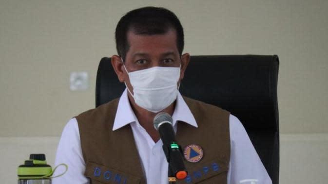 Ketua Satgas COVID-19 Nasional Doni Monardo mengapresiasi upaya pengendalian COVID-19 yang dilakukan oleh Pemerintah Provinsi Sulawesi Utara saat rapat koordinasi di Kantor Gubernur Sulawesi Utara, Rabu (7/10/2020). (Badan Nasional Penanggulangan Bencana)
