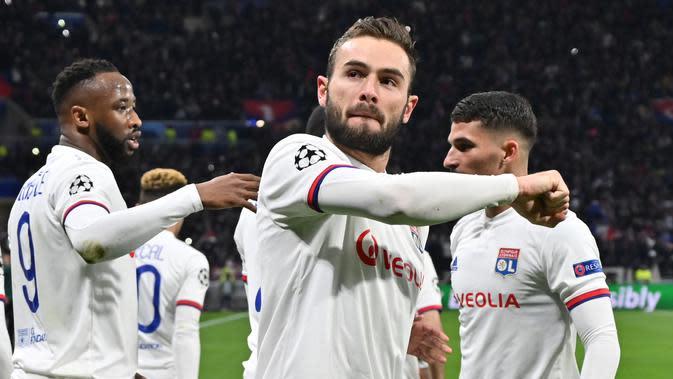 Pemain Lyon, Lucas Tousart merayakan gol yang ia cetak ke gawang Juventus pada leg pertama babak 16 besar Liga Champions 2019-2020. (Dok. UEFA Champions League)