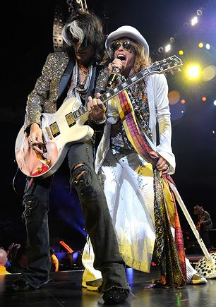 Aerosmith Postpone Gig As Steven Tyler Gets Vocal Rest