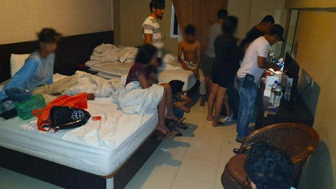 Belasan Remaja Pekanbaru Tertangkap Pesta Narkoba di Kamar Hotel