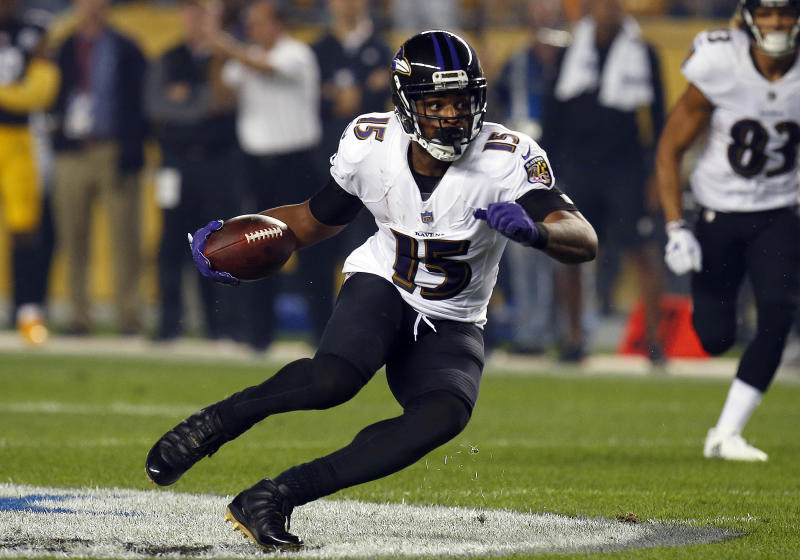 The Cardinals have reportedly worked out veteran wide receiver Michael Crabtree. (Getty)