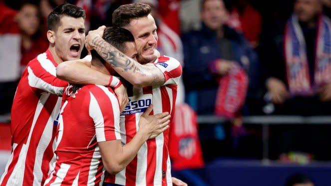 Atletico Madrid merayakan gol ke gawang Liverpool