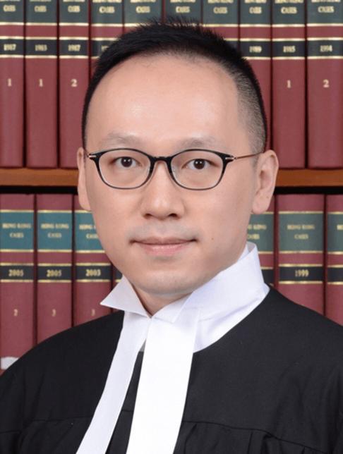 Stanley Ho heads to the High Court as a temporary deputy registrar. Photo: Handout