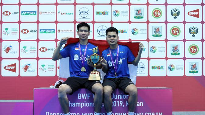 Ganda putra Indonesia, Leo Rolly Carnando/Daniel Marthin, berhasil meraih titel juara di Kejuaraan Dunia Bulutangkis Junior 2019. (dok. PBSI)