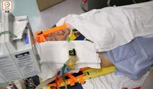 屯門六旬漢騎單車失控撞前車 倒地重創昏迷