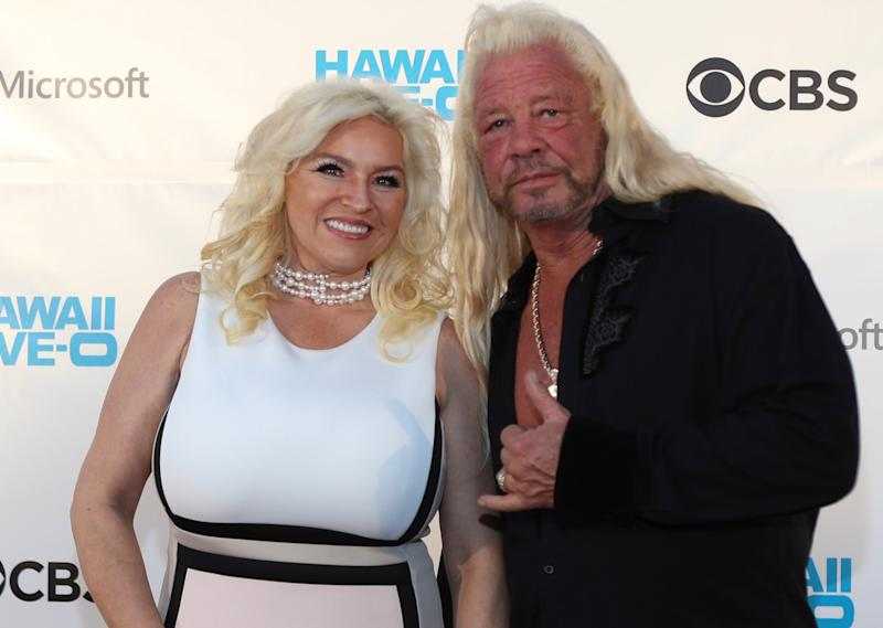"""Beth Chapman and Duane """"Dog"""" Chapman at a premiere in Hawaii in 2017. (Photo: Darryl Oumi/Getty Images)"""