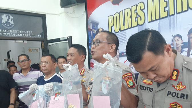 Polisi mengungkap kasus pembunuhan yang dilakukan gadis remaja berusia 15 tahun terhadap bocah perempuan berusia 6 tahun di Jakarta Pusat, Sabtu (7/3/2020). (Liputan6.com/Yopi Makdori)