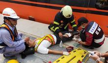台鐵屏東南州站工作人員滑落月台 雙腿遭進站列車夾傷
