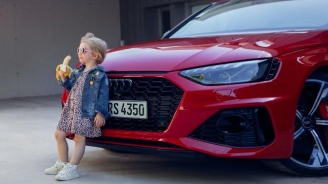 Iklan Anak Kecil Makan Pisang di Depan Mobil Audi Bikin Heboh