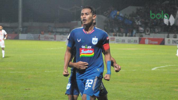 Striker andalan PSIS Semarang, Hari Nur Yulianto. (Bola.com/Vincentius Atmaja)
