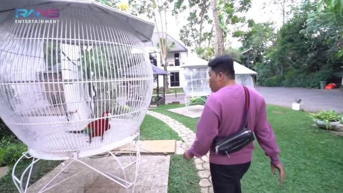 Taman di rumah Raffi Ahmad yang disulap jadi arena bermain Rafathar. (YouTube Rans Entertainment via Brilio)